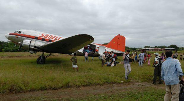 Vintage Douglas DC-3 flights in Colombia