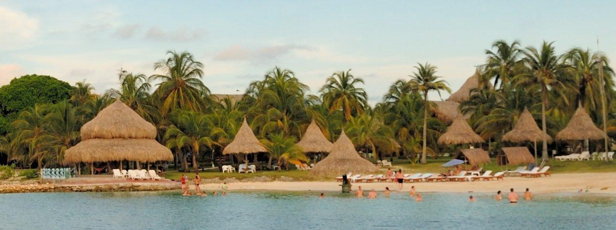 https://www.kontour-travel.com/wp-content/uploads/punta-faro-isla-mucura-colombia-001a-1250x467.jpg